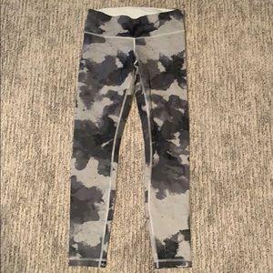 Lululemon leggings - size 6